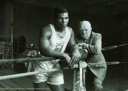 Майк Тайсон - биография, фото, бокс, личная жизнь боксера ...