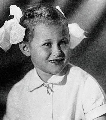 Дарья донцова биография личная жизнь дети мужья. Дарья Донцова: сюжеты и секреты ее жизни