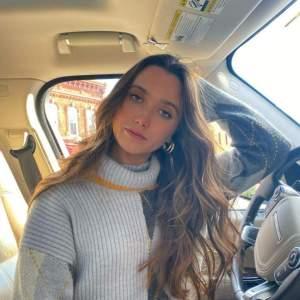Hannah Meloche Biography