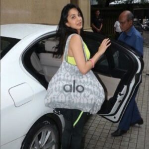 Kiara Advani Biography  Wiki, Age, Height, Net Worth, Boyfriend, Family, Instagram & More