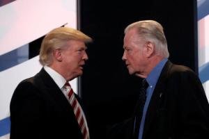 Jon Voight is one of the few actors who supported Donald Trump. In fact he was called delusional by Robert De Niro.