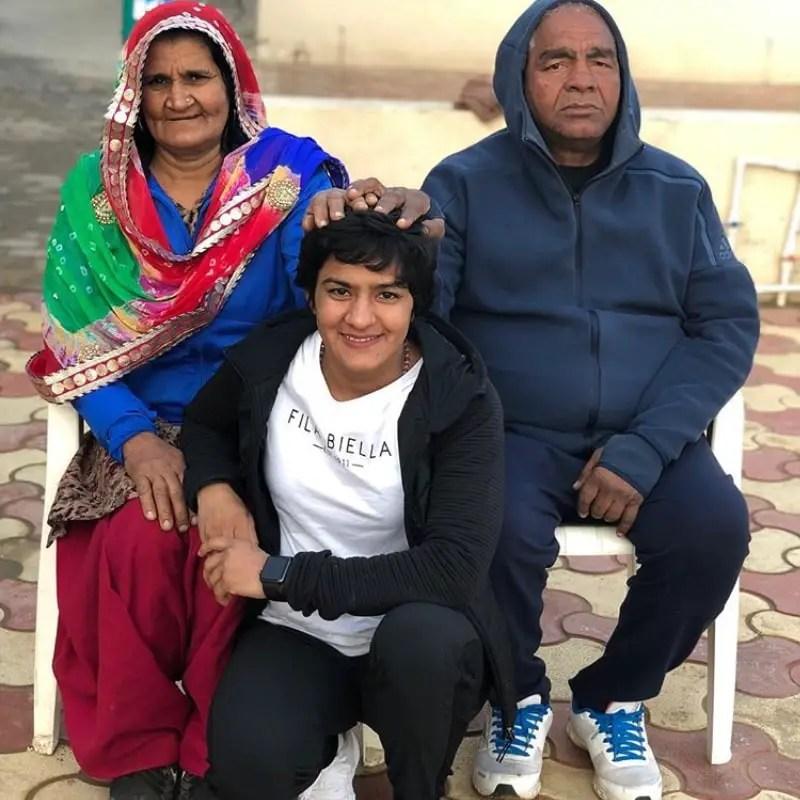Ritu Phogat Family