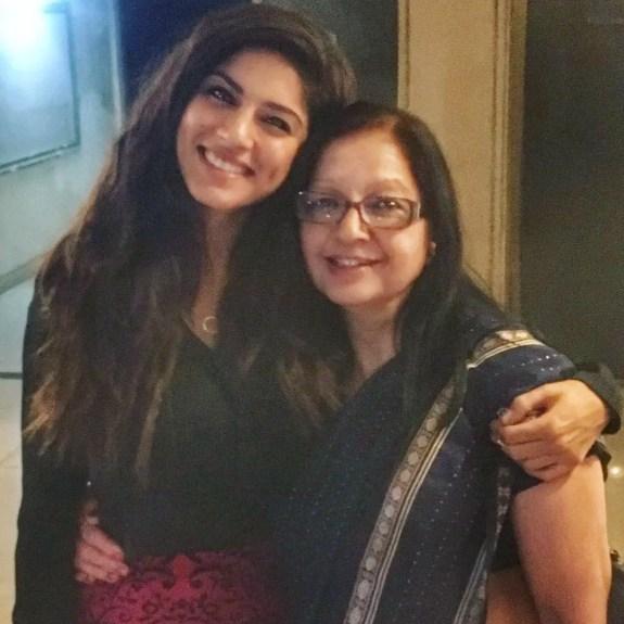 Sapna Pabbi Mother
