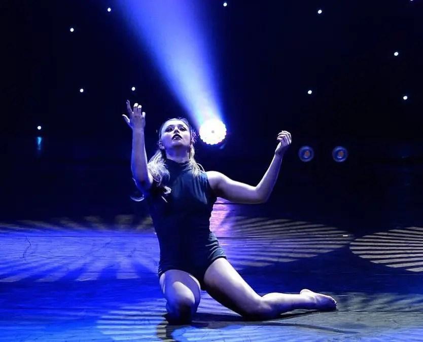 Victoria Baldesarra dance