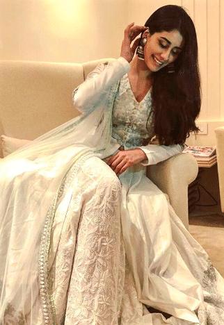 Warina Hussain hot
