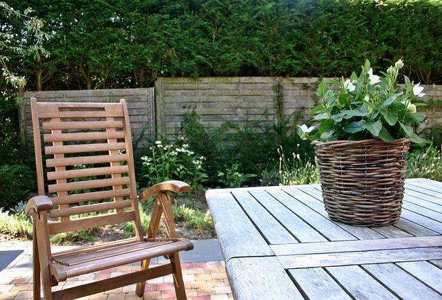 Gartentisch für unter 100€ selber bauen.