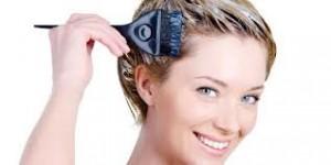 mengecat rambut