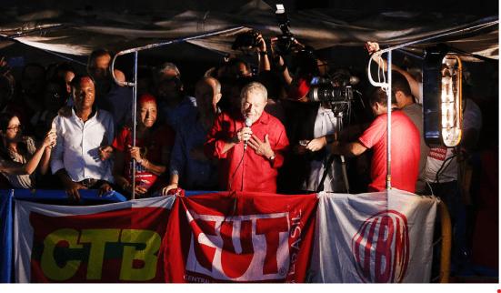Lula discursa n ato do dia 18 de março de 2016.