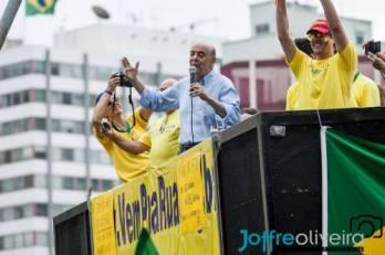 José Serra (PSDB) em ato pró-impeachment em São Paulo: foi ele o responsável pelo projeto de abertura do Pré-Sal aos estrangeiros.