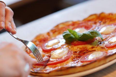 Quelle sont les Différences entre la Pizza italienne et la pizza américaine