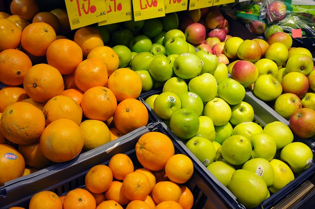 Swedish Researcher Makes Bioplastic from Fruit Waste