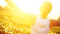 Жена-свобода-слънчева-светлина-витамин-D