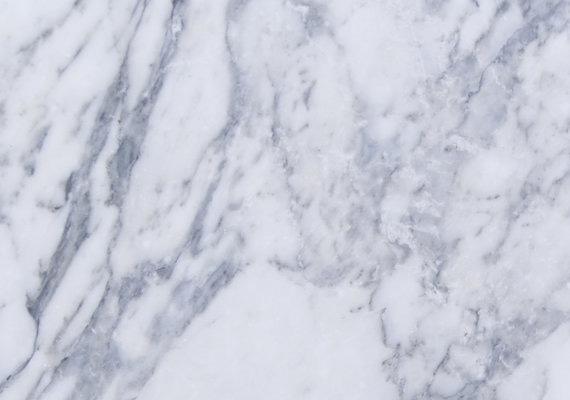 1.275 Retirer une tache d_huile mécanique sur du marbre
