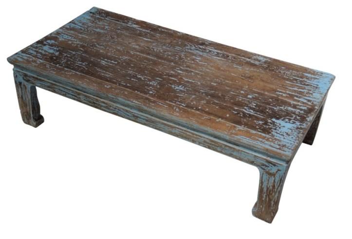 1.363 Nettoyer une tache de boue sur du bois peint