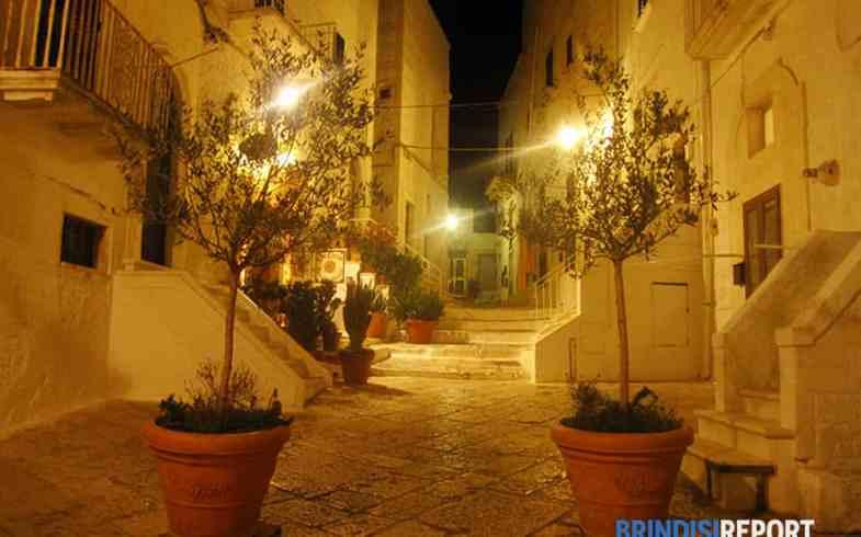 Notti di luce a Ostuni [BRINDISIREPORT.IT]
