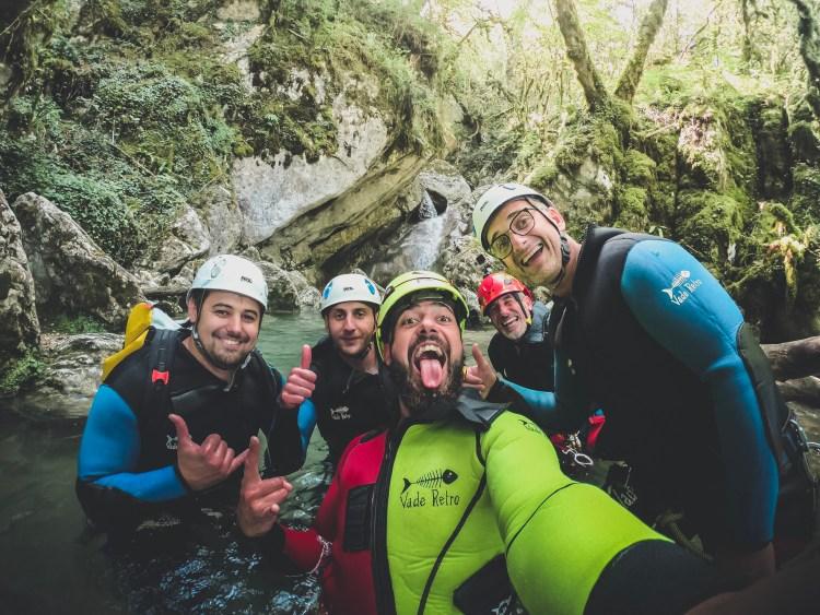 Venez découvrir le canyoning dans le Vercors, une journée complète de découverte du canyoning.