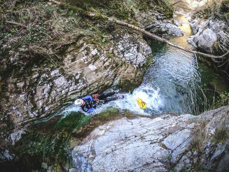 découverte du canyoning en famille dans le diois