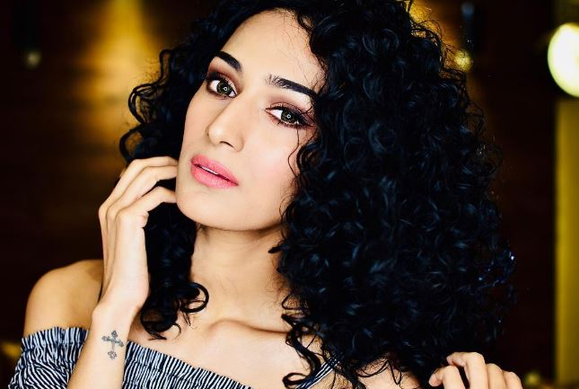 Image result for erica fernandes biography, wiki, age, height, net worth, husband