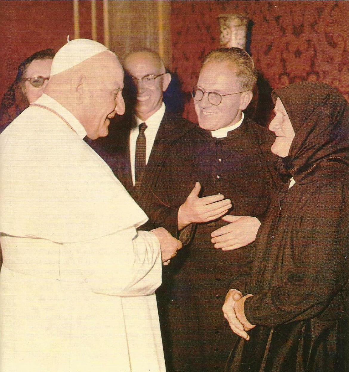 Akademik Golub sa svojom majkom Barom u audijenciji kod pape Ivana XXIII
