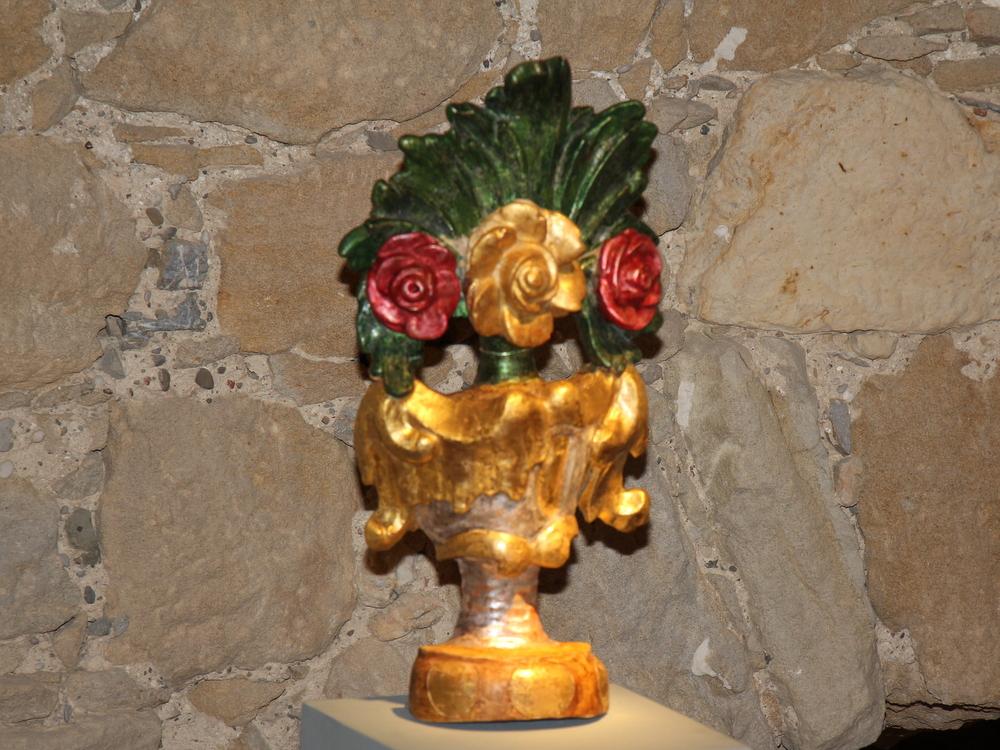 Vaza s cvijećem, župna crkva sv. Ivana Krstitelja, Sv. Ivan Žabno, XVIII. st.