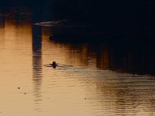 Rowers soon to disrupt famous reflection