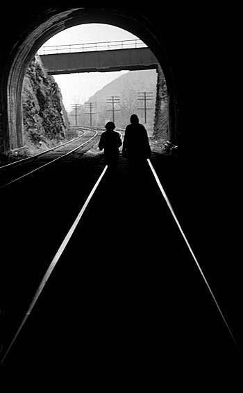 GLF-Dec70-HarpersFerry-RRtunnel