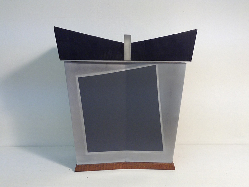 Box with Grey Square 2