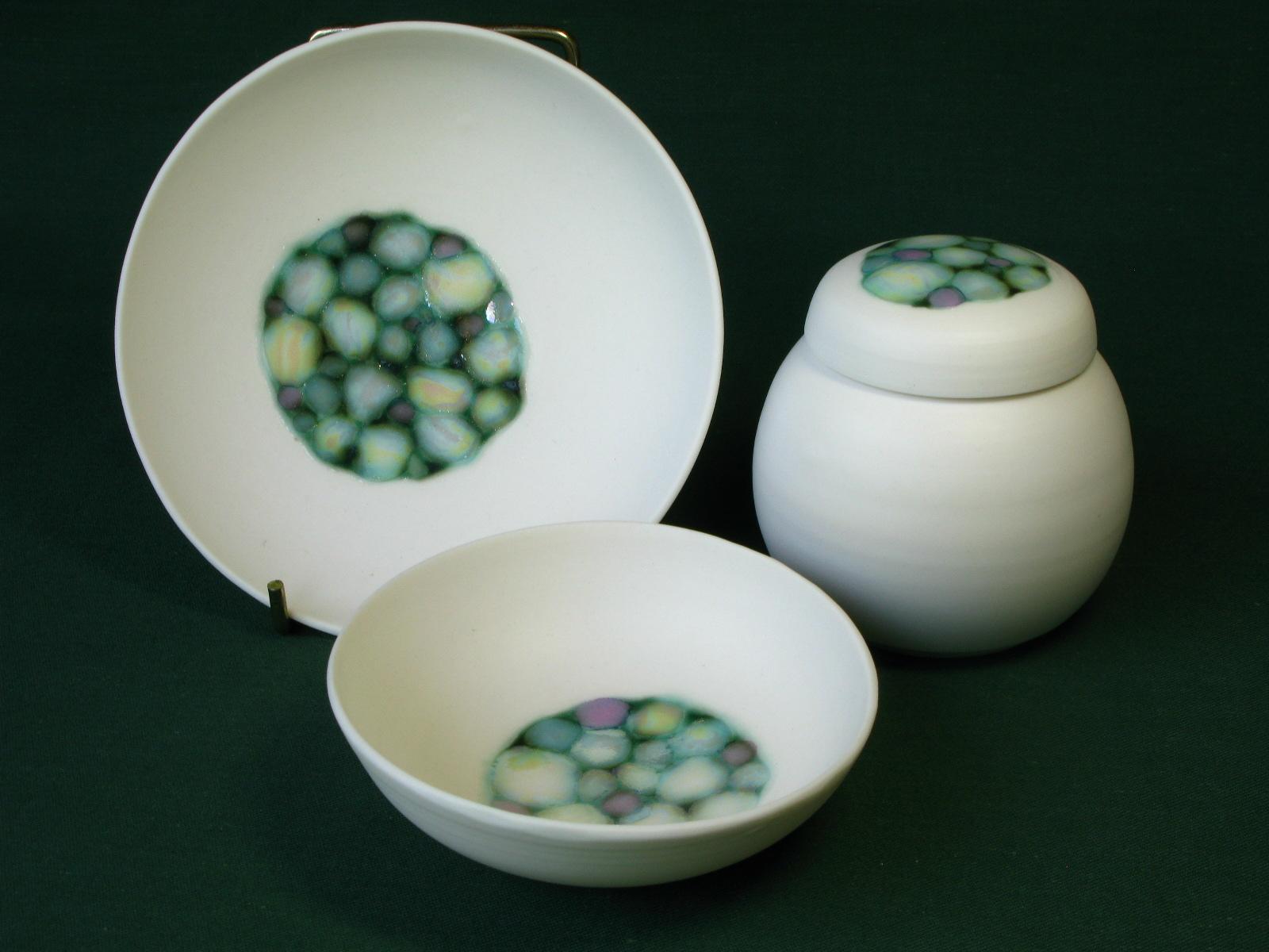 Gillian McMillan. Pebble vessels and jars