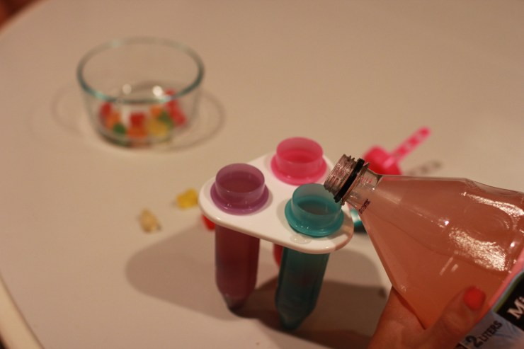 diy-gummy-bear-popsicle