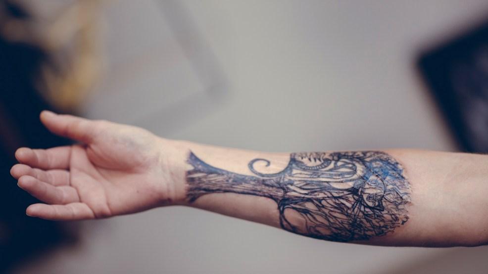 на рубце зачем нужны татуировки на шрамах Bird In Flight