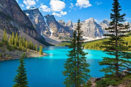 les_plus_beaux_lacs_du_monde_Moraine_lake_Alberta_Canada