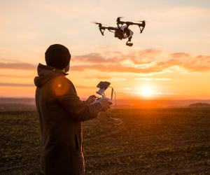 8 Best Drones For Beginners To Try (2019)