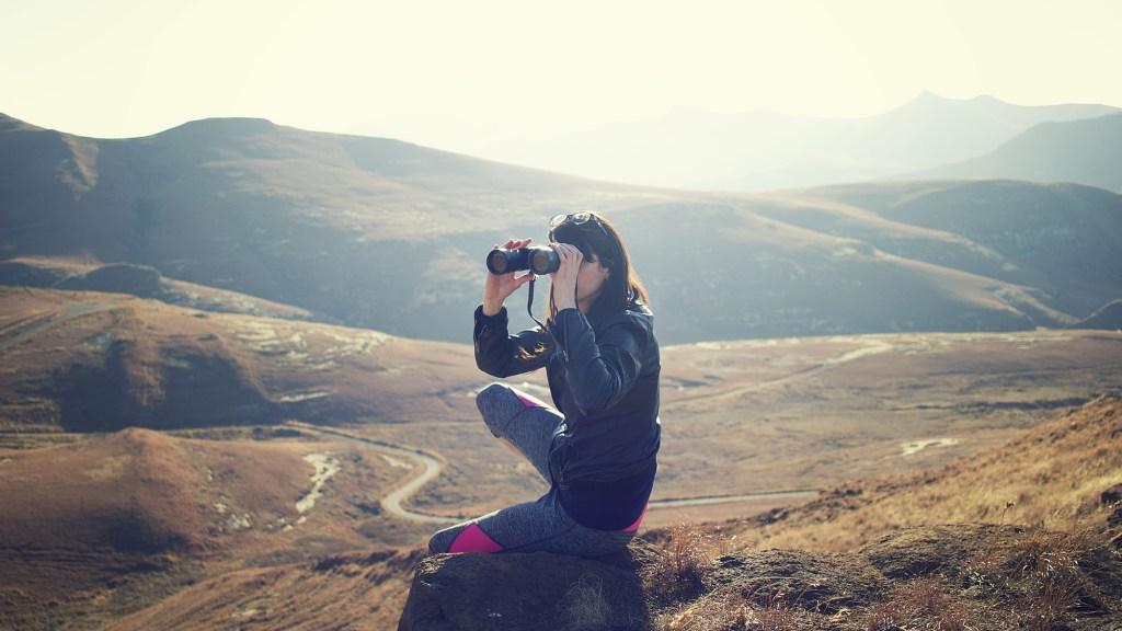 Best Binoculars for Shaky Hands