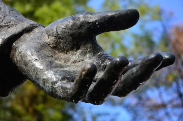 hand-1876119_1920
