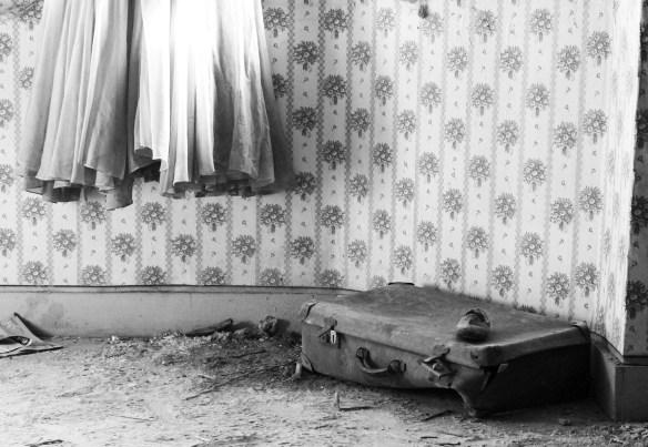 suitcase-3887353_1920
