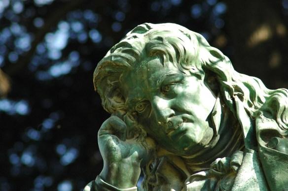 sculpture-3576285_1920