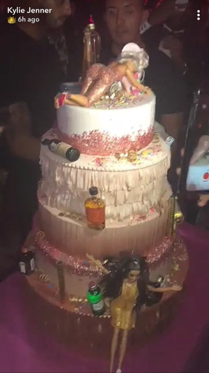 Swell 21St Birthday Cakes For Her Kylie Jenner Birthday Cake Had 5 Tiers Funny Birthday Cards Online Bapapcheapnameinfo