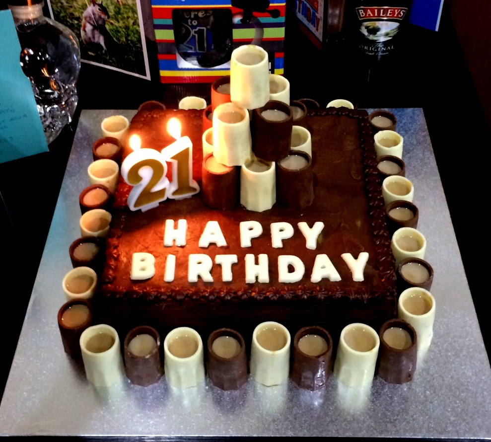 Astonishing 21St Birthday Cakes For Him 21St Birthday Cakes For Guys Boys Cake Personalised Birthday Cards Beptaeletsinfo