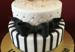 50 Birthday Cakes Black And Gold 50th Birthday Cake Birthday Cakes Pinterest