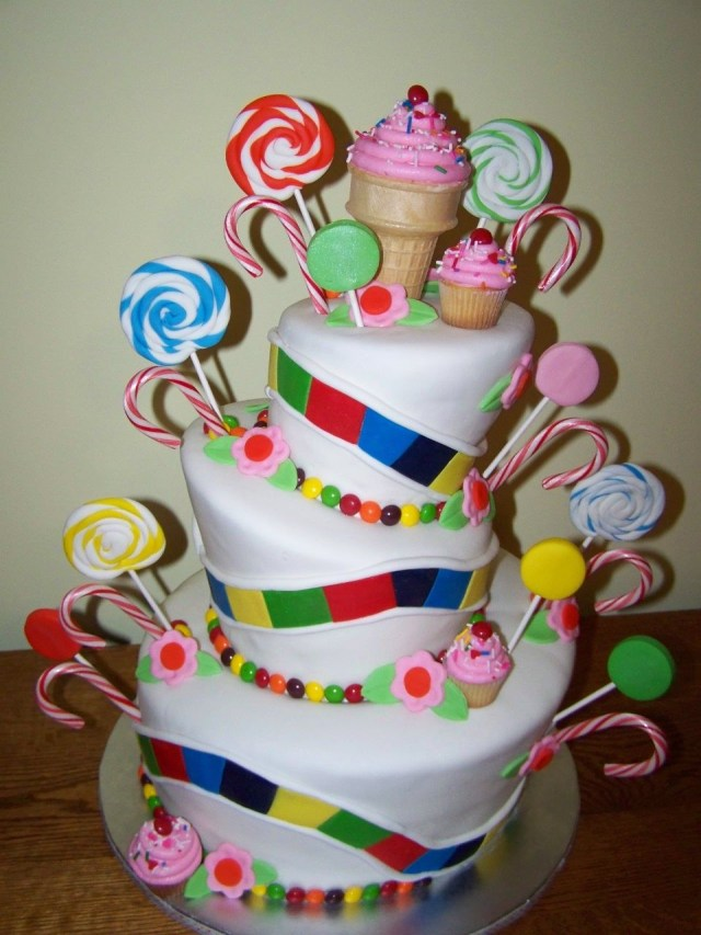 7 Year Old Birthday Cake This Would Be A Cute Cake For A Girls Birthday Party If They Are