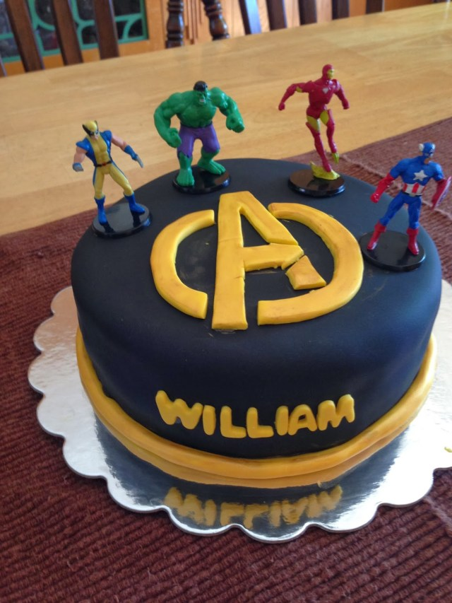 Avengers Birthday Cake Leahs Lovely Gateaux Cakes 2013