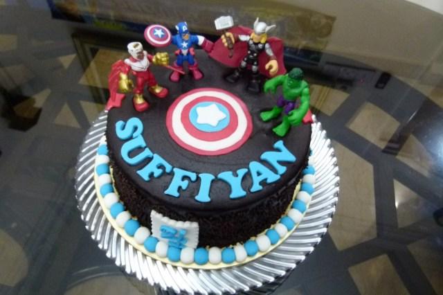 Avengers Birthday Cake Sprinkles Cakes Cookies 3d