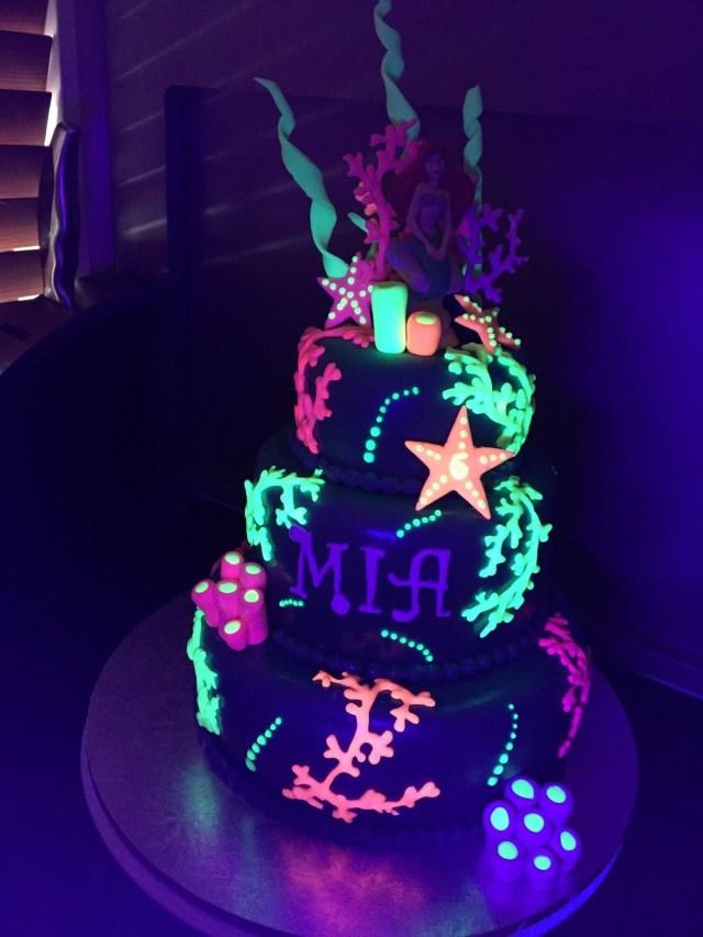 Glow In The Dark Birthday Cake Birthday Cakes Images Glow In The Dark Cake Luongphan Neon Design