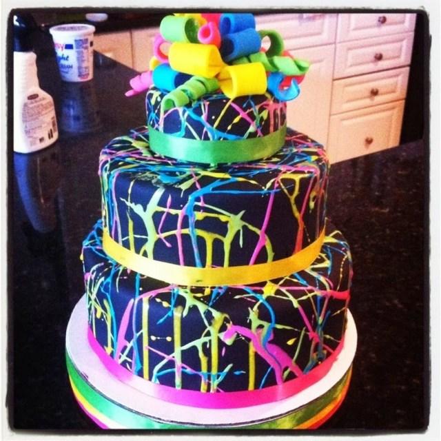 Glow In The Dark Birthday Cake Glow In The Dark Cake For A Glow In The Dark Party Use Florescent