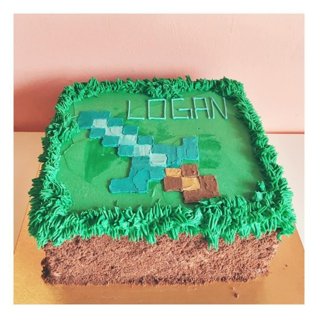 Minecraft Birthday Cakes Buttercream Minecraft Cake Sword 2tartsbakery Minecraft
