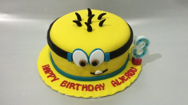 Minion Birthday Cake Images Minion Cake Fondant How To Make Easy Birthday Cake Youtube