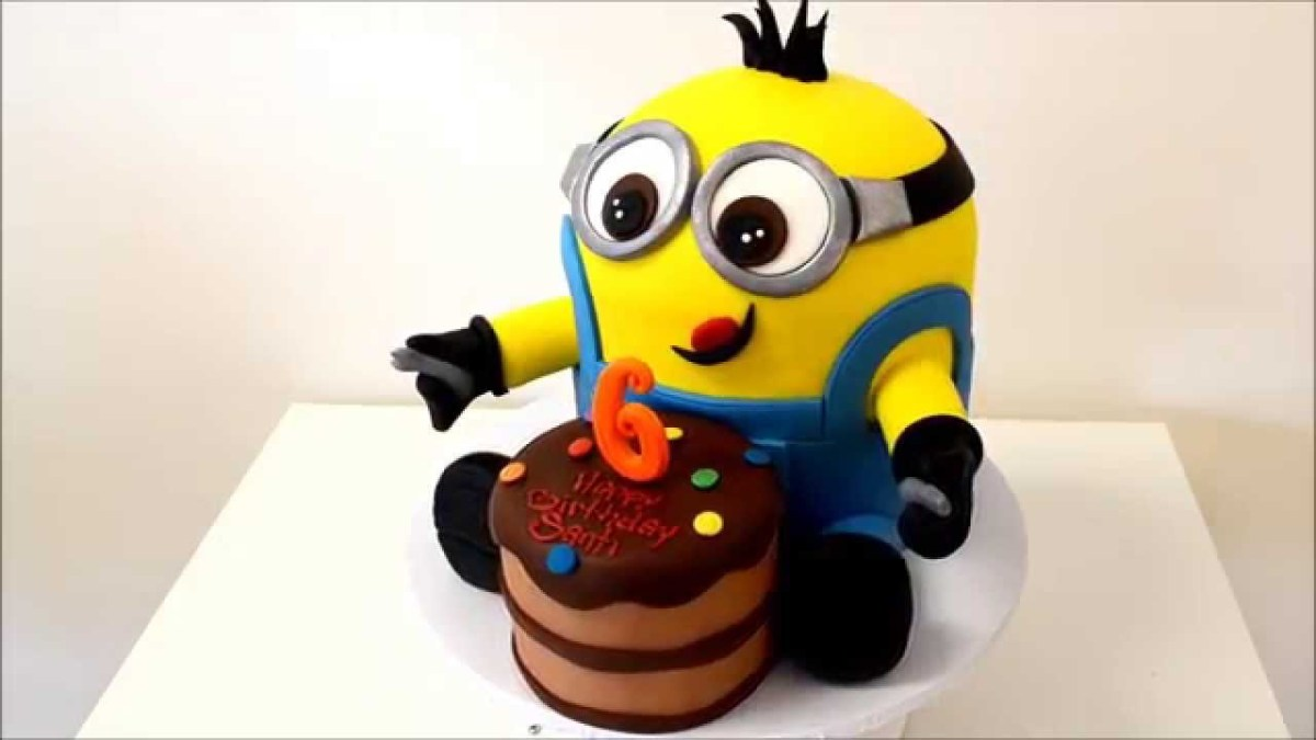 Tremendous Minion Birthday Cakes New Minion Birthday Cake With Small Cake In Personalised Birthday Cards Paralily Jamesorg