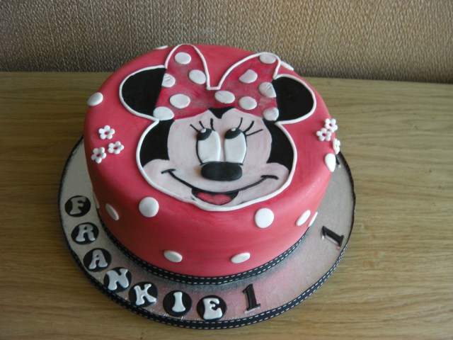 Minnie Mouse Birthday Cakes Minnie Mouse 1st Birthday Cake Mandys Homemade Cakes Flickr