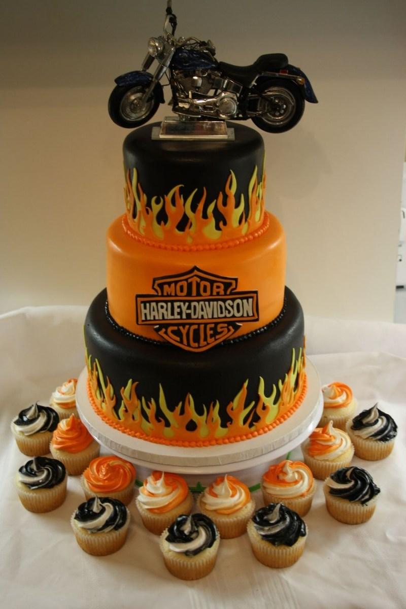 Fantastic Motorcycle Birthday Cake 40 Biker Birthday Cakes That Will Make Funny Birthday Cards Online Alyptdamsfinfo