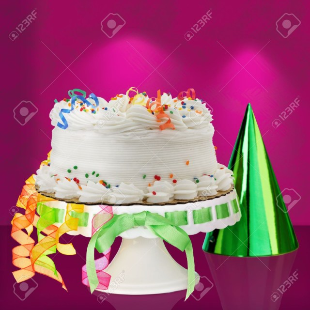 Orange Birthday Cake Kstliche White Vanilla Birthday Cake Mit Rot Blau Grn Gelb Und